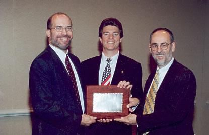 ken_award.jpg (105585 bytes)